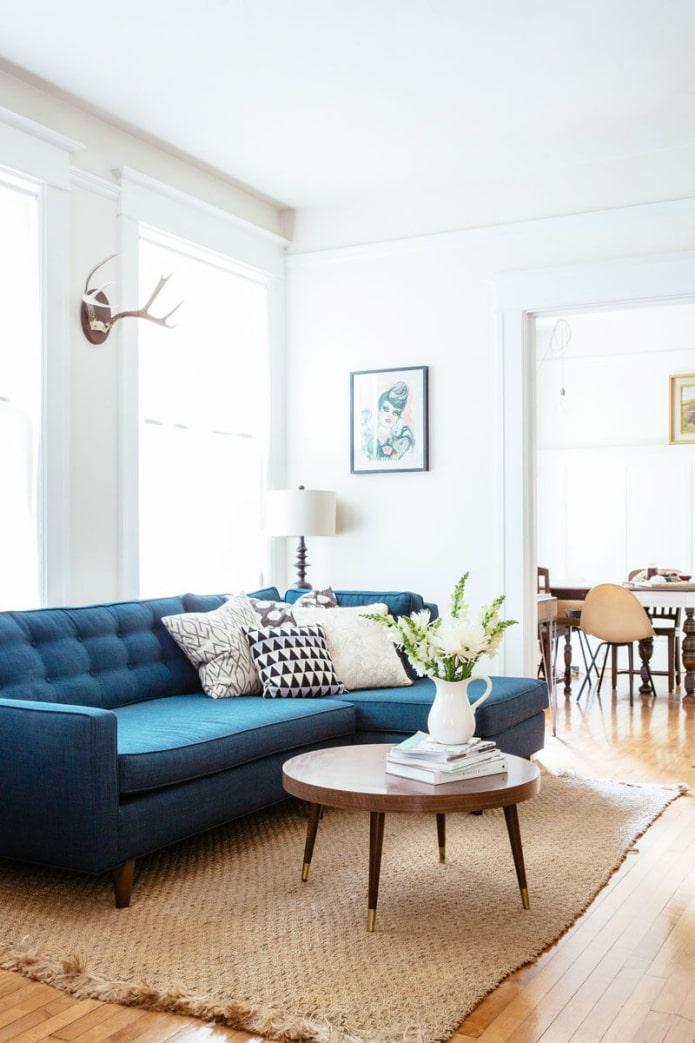 подушкки на угловом диване