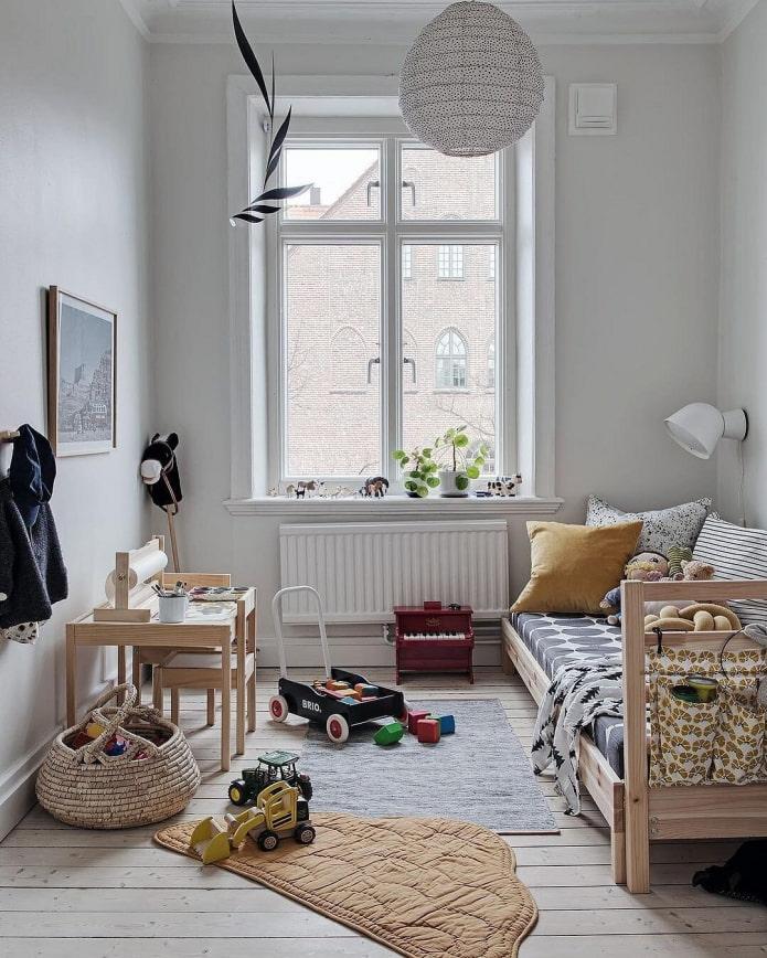 Что делать, если окна в комнате на северной стороне? 5 шагов к созданию уюта