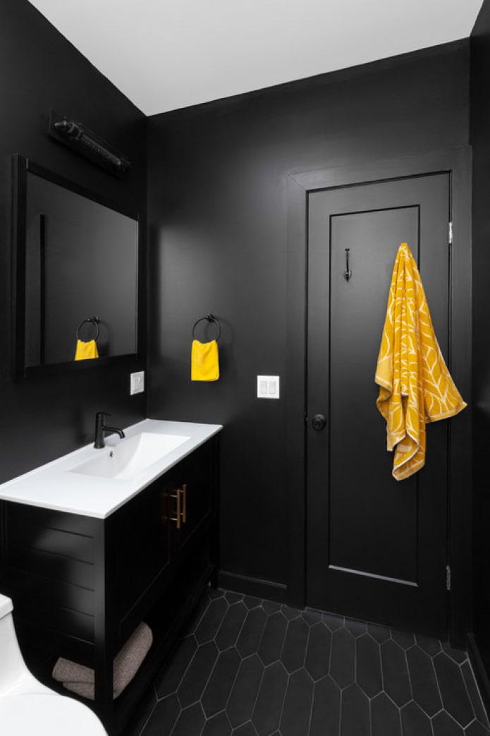 черная ванная с желтым