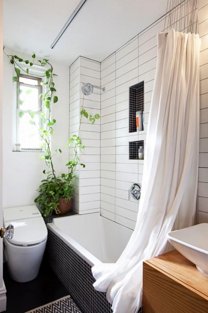 белые стены ванной