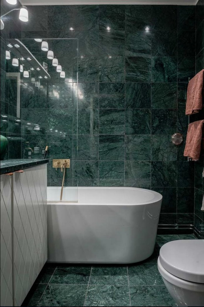 зеленый мрамор в ванной