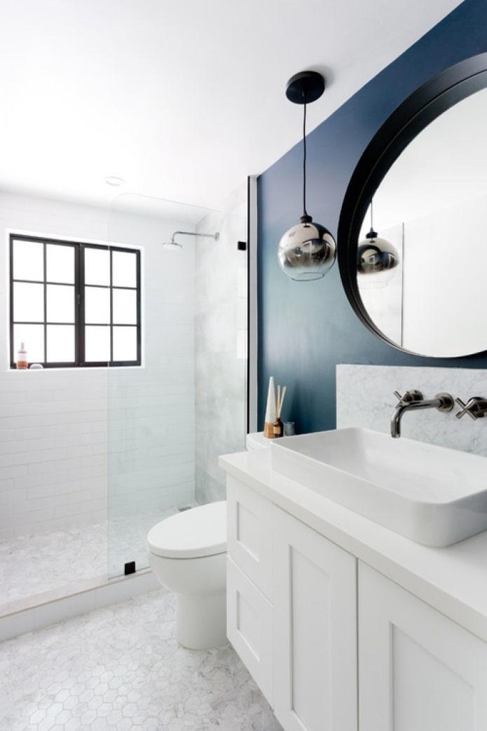 мрамор с темной краской в ванной
