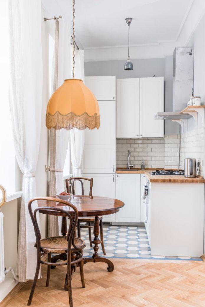 маленькая кухня в студии