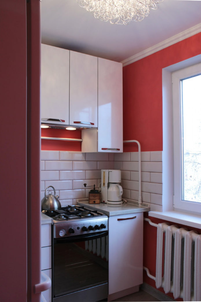 маленькая кухня с газом
