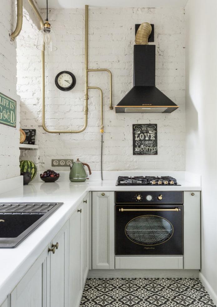 черная техника на кухне