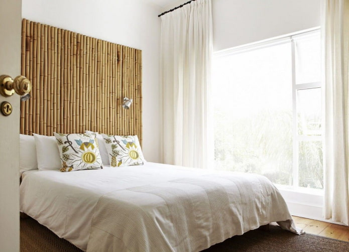 изголовье кровати из бамбука
