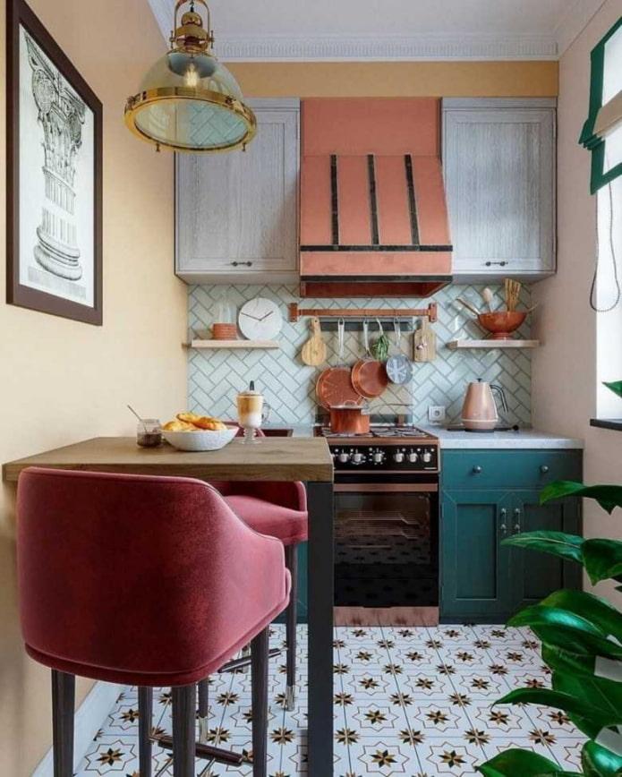 Изумрудно-пурпурная кухня