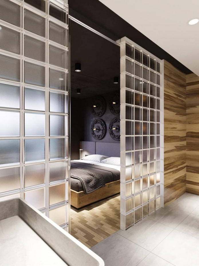отделение стеклоблоками спальни