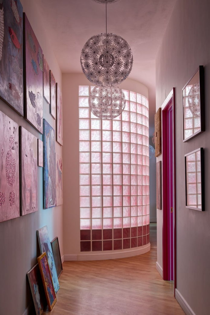 круглая стена из стеклоблоков