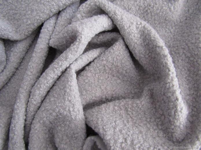 10 лучших тканей для обивки дивана: плюсы и минусы, правила выбора