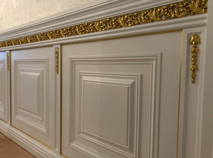 оформление стен в классическом стиле