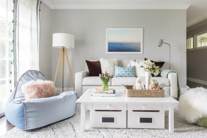 Как оформить диванную зону в гостиной?