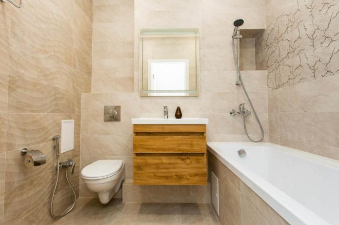 smėlio spalvos vonios kambarys