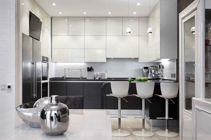 кухня в стиле хай-тек с белыми шкафчиками и серыми тумбами