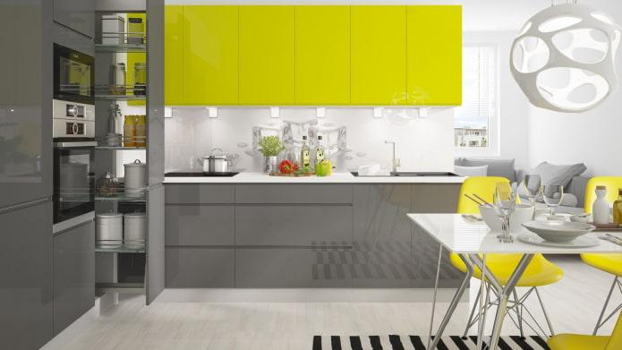 желто-серо-белая кухня в стиле хай-тек