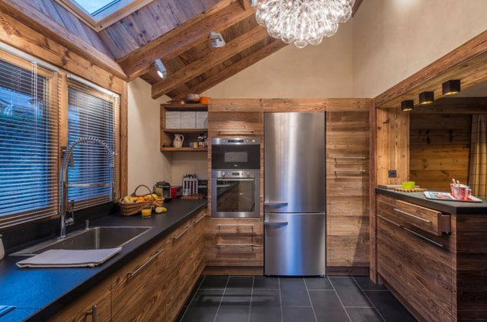 п-образная деревянная кухня