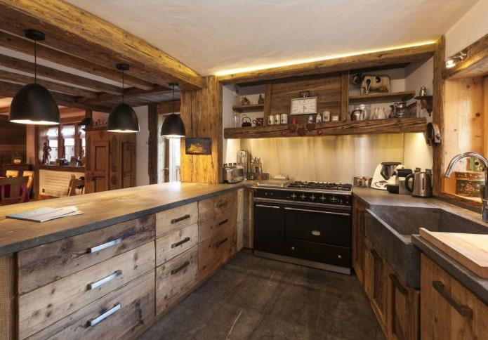 потолке в кухне