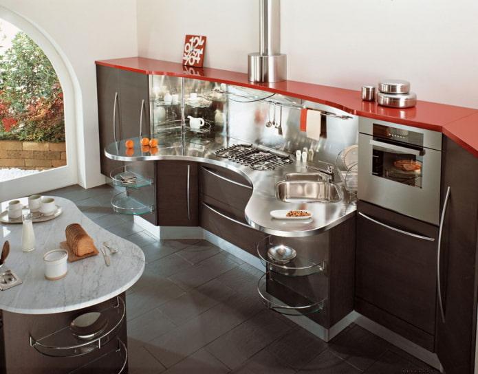оригинальный кухонный гарнитур с плавными линиями