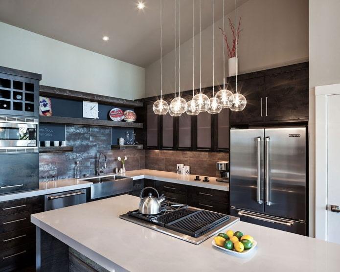 оригинальные подвесные лампы в кухне