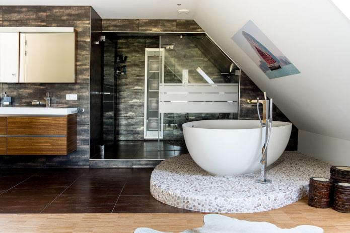 ванная на подиуме