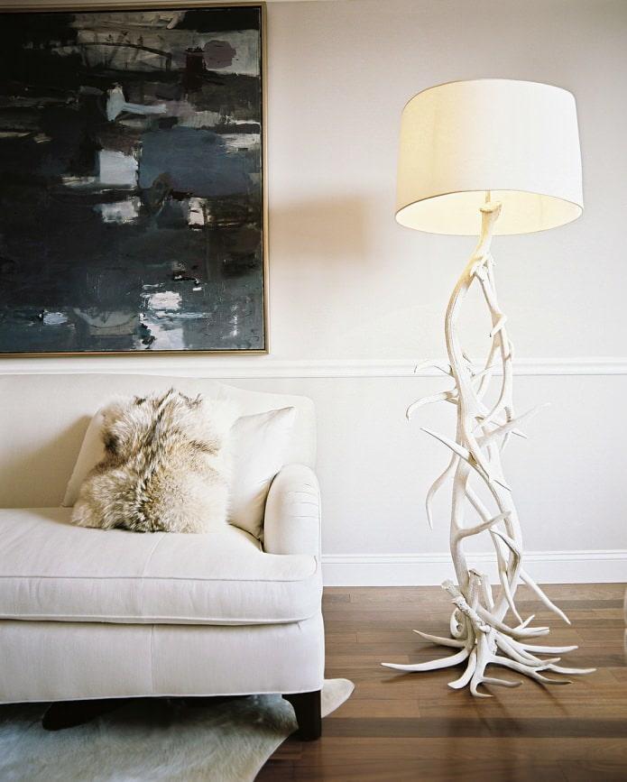 ножка светильника в виде ствола дерева