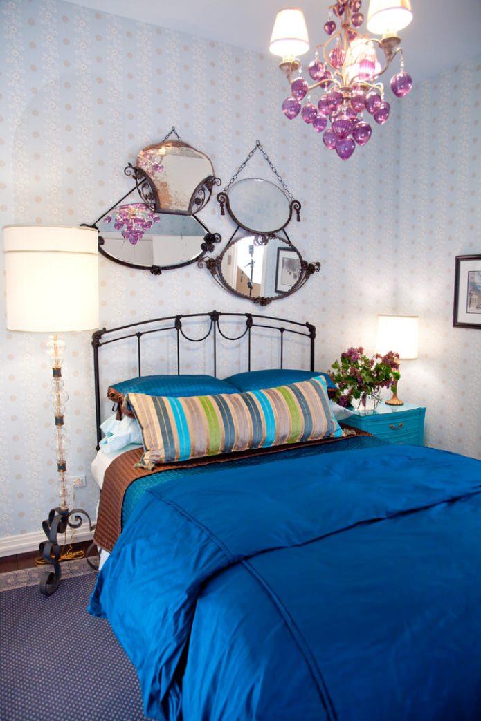 напольный светильник в спальне