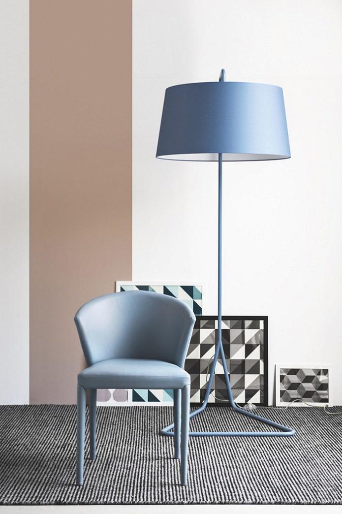 синий напольный светильник