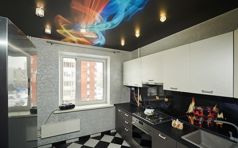 черный натяжных потолков на кухню фото