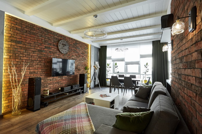 белый деревянный потолок