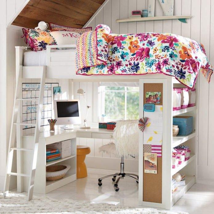 двухэтажная кровать с рабочим местом на первом этаже
