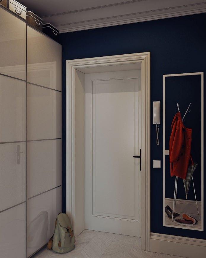 прихожая в дизайне интерьера маленькой квартиры-студии 24 кв. м.