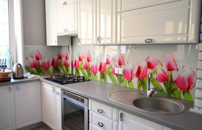 Фартук с цветами на кухню: дизайн, виды материалов, фото