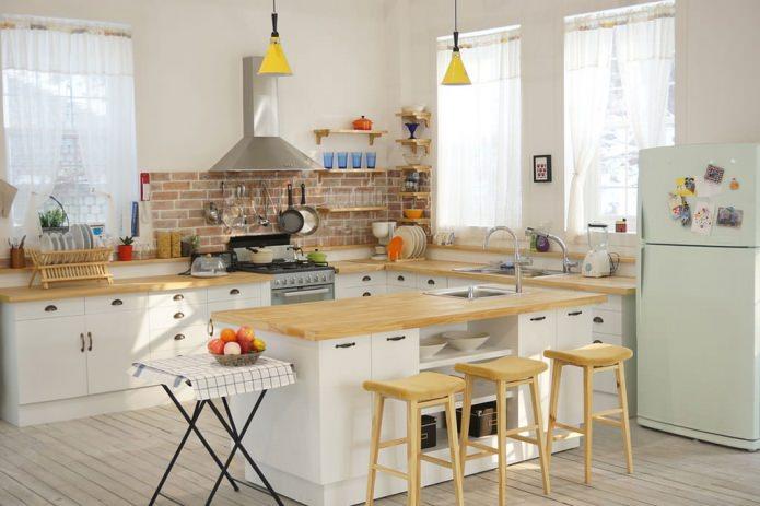 marmorplade til køkkenvæg