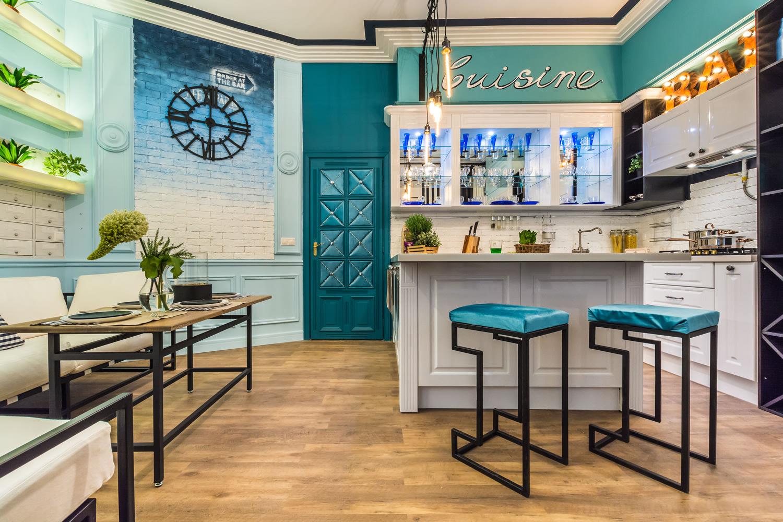 Кухня в стиле французского кафе фото