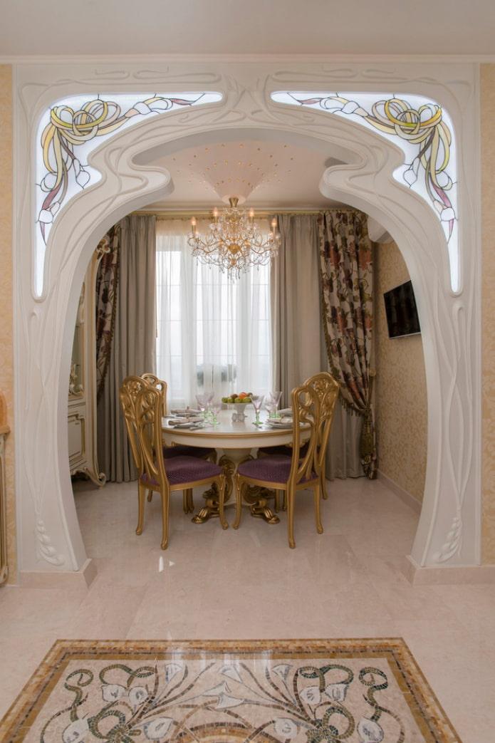 оформление арки стеклом