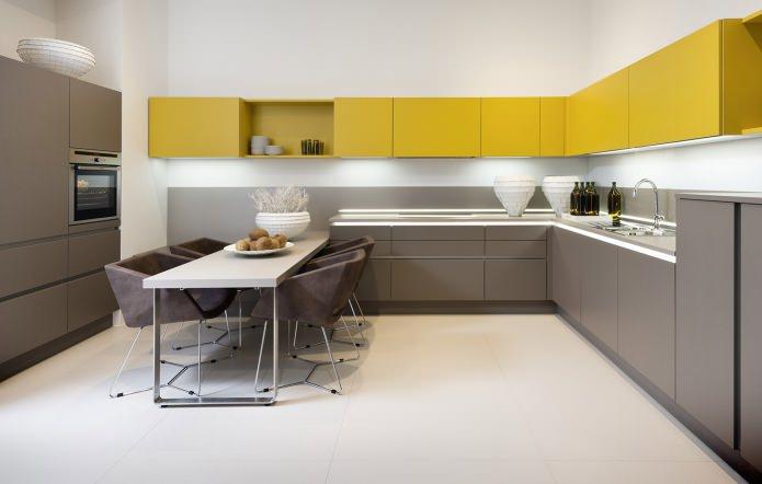 стул-кресло в интерьере кухни