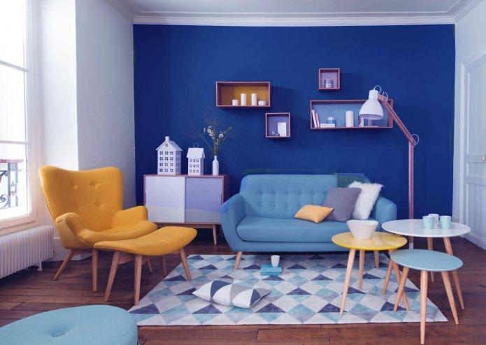 Гостиная в сине-желтых тонах