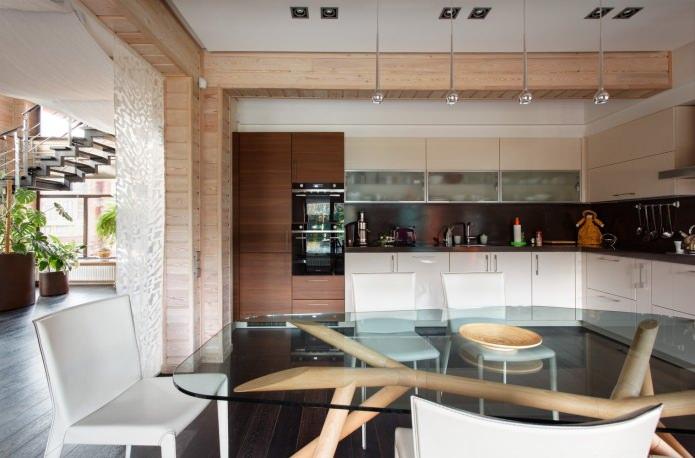 кухня-столовая в дизайне деревянного дома из бруса