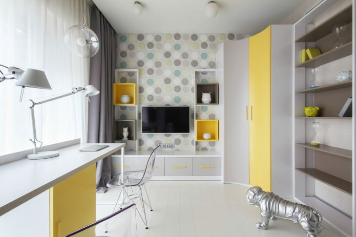 яркая детская с желтой мебелью
