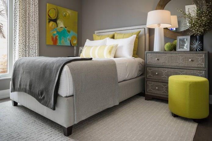 Дизайн спальни в серо-зеленых тонах