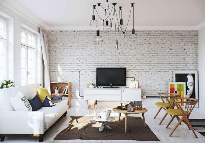 белая кирпичная стена в интерьере гостиной