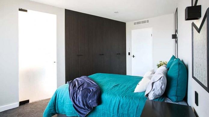 дизайн спальни в черно-бирюзовых тонах