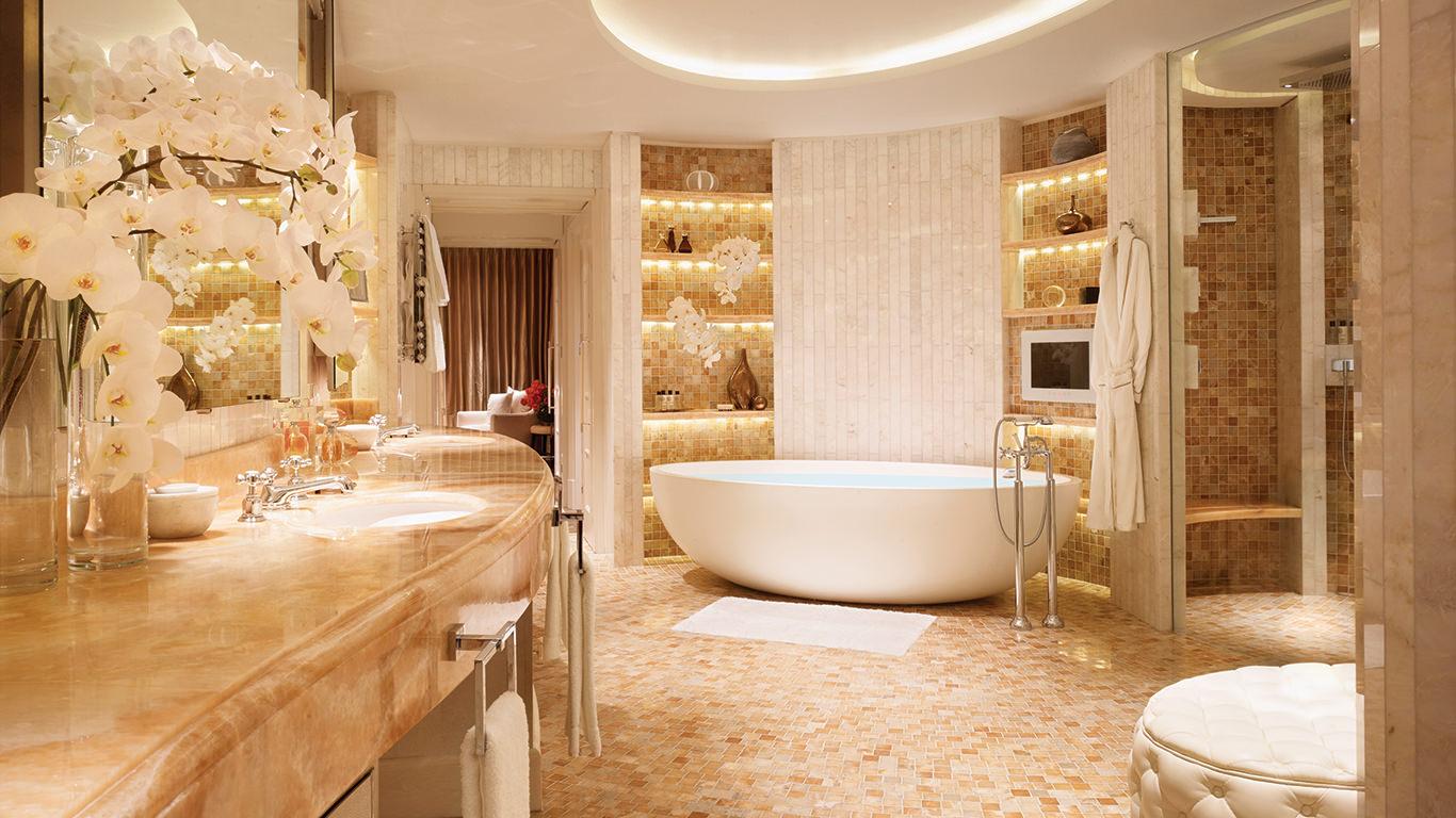 Комната в золотистом цвете