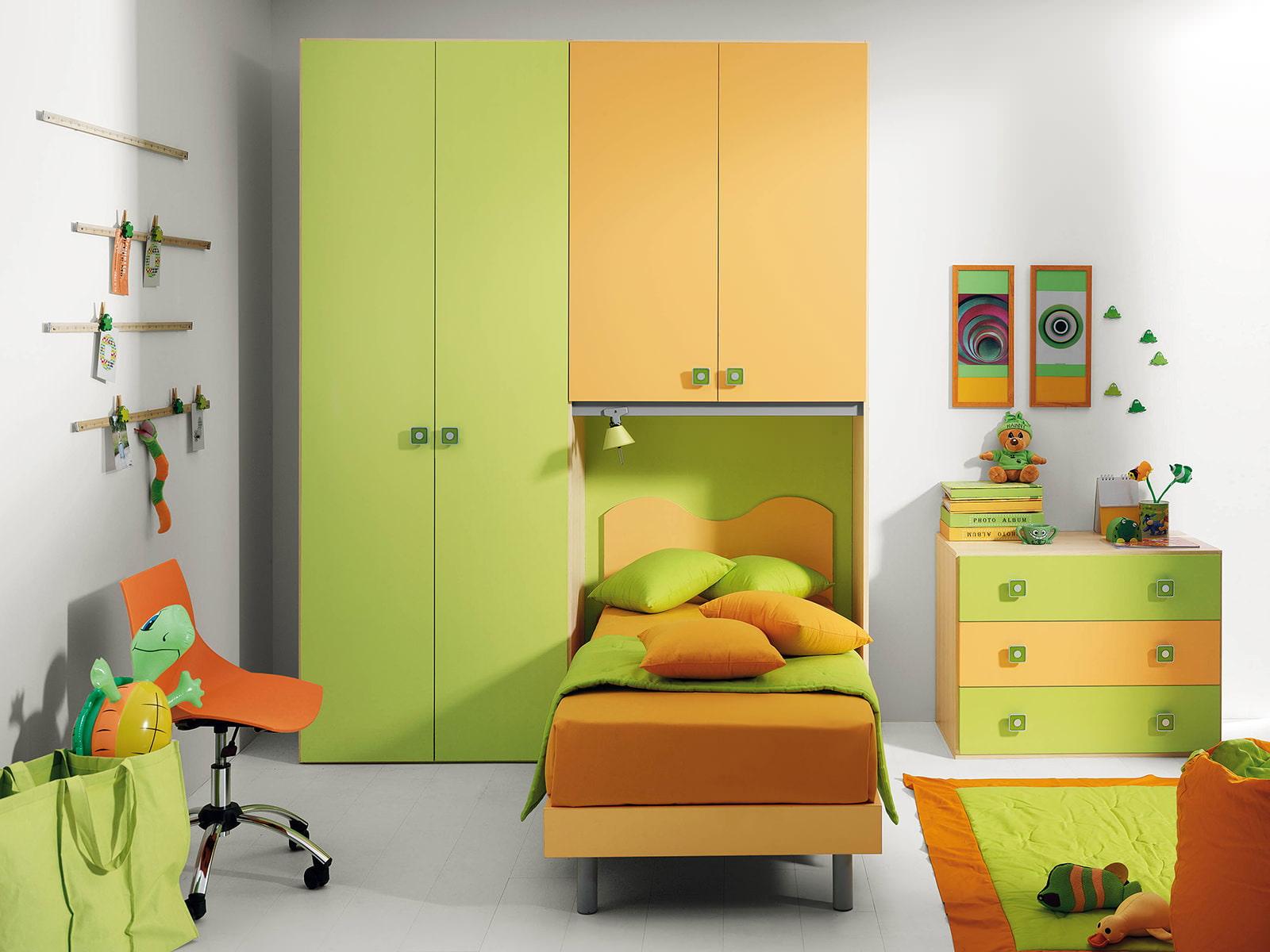 Детская комната в зеленом цвете