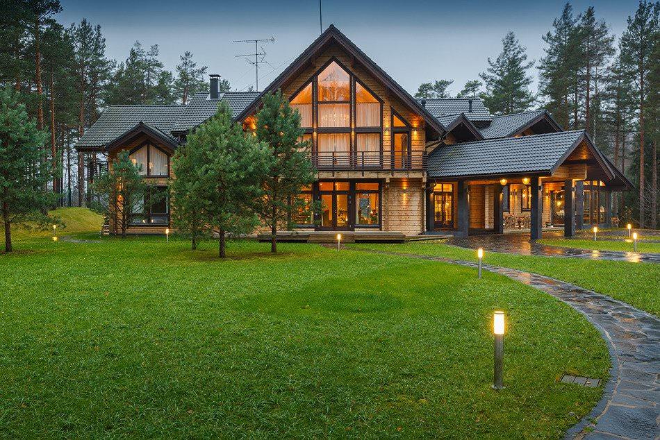 Проекты современных домов с большими панорамными окнами