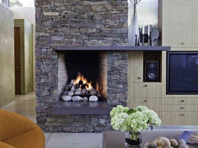 Декоративные камины для квартиры