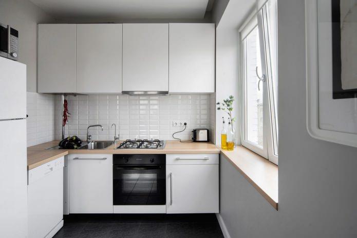 кухня в хрущевке в белом цвете