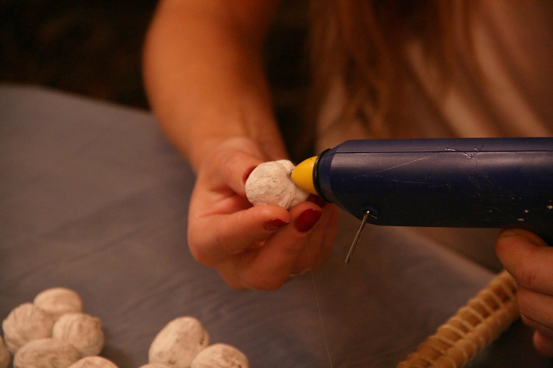 Декоративные клубки своими руками 27