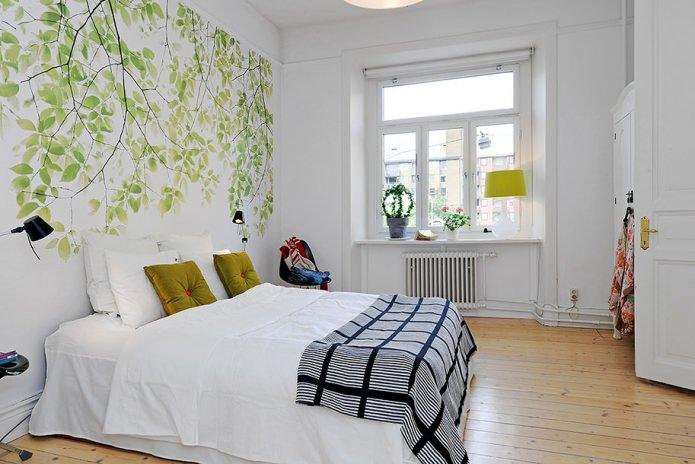 Роспись стен в спальне (листва)