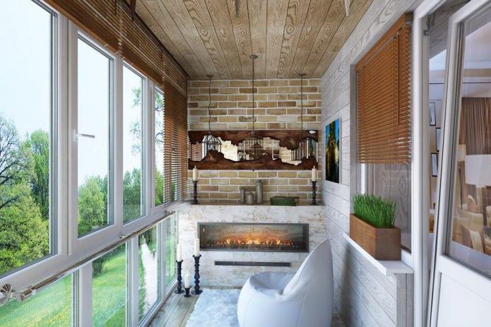 комбинированная отделка стен на балконе